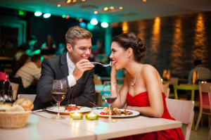 Couple-enjoying-a-romantic-dinner